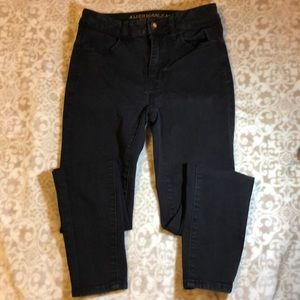 American Eagle size 0 high rise jegging.